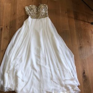 White Alyce prom dress